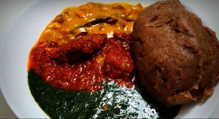 """How To Cook The """"Perfect"""" Amala and Ewedu Soup"""